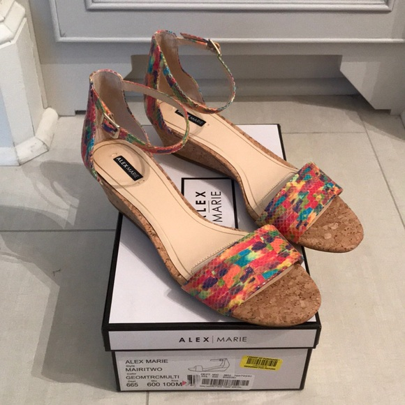 15022b5a68a Brand new Alex Marie Mairitwo ankle strap wedges